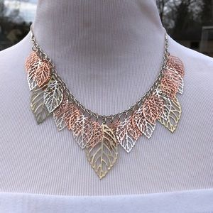 Tri-Colored Leaf Necklace Set! VTG!